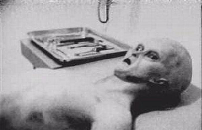 Nuove scoperte sulle foto dell'autopsia Alieno nell'Area 51