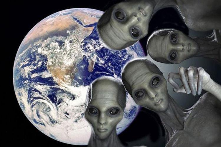 Gli alieni stanno cercando di contattarci? Forti segnali dallo spazio.