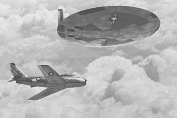Dischi volante e aereo