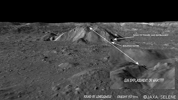 struttura artificiale sulla luna aliena sotterranea