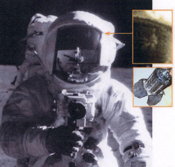 Oggetto misterioso sul casco dell'astronauta