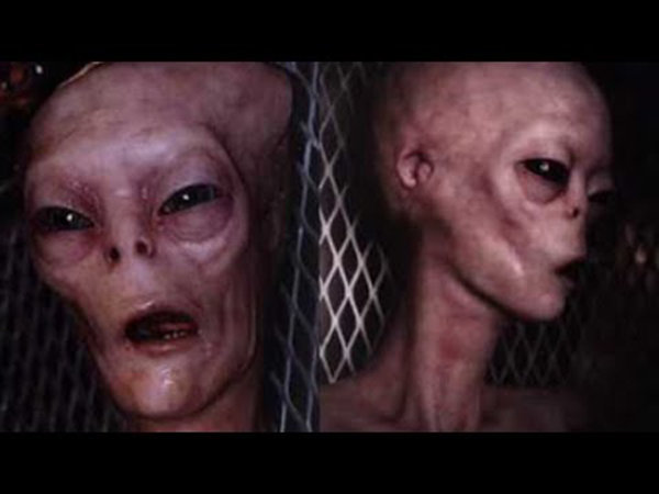 alieni area 51