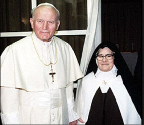 Papa Giovanni Paolo II con Suor Lucia