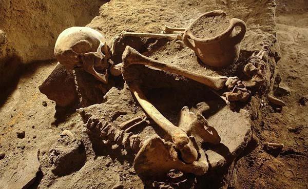 Gli archeologi hanno trovato 60 scheletri.