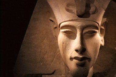Akhenaton – Il faraone che sfidò gli Dei