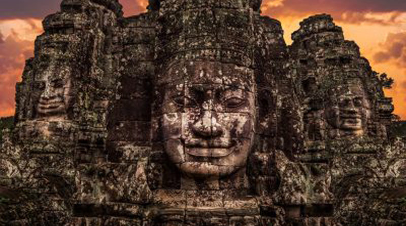 IlTempioBayon: un complesso di templi antichi di 200 volti sorridenti