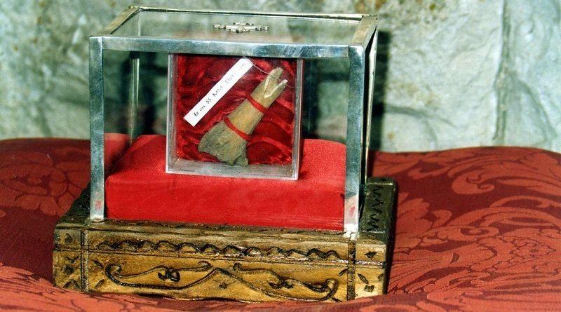 Le ossa dei Santi si acquistano online: un business che vale miliardi… E con 1200 € si acquista pezzo di Croce di Gesù