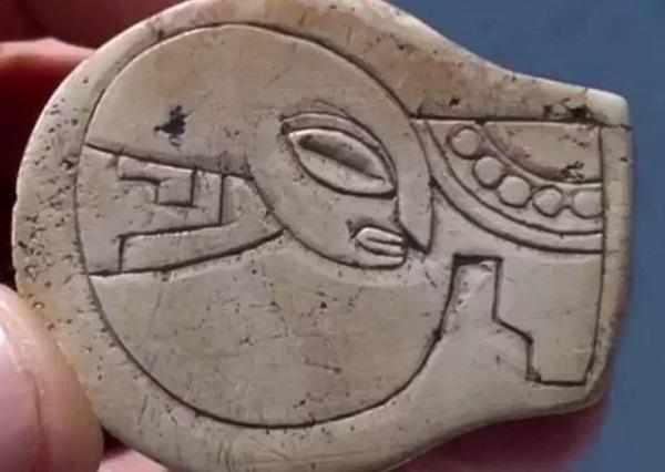antico artefatto alieno 5