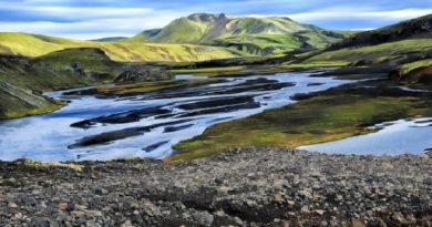 Gli scienziati trovano montagne e pianure a 660 chilometri sotto la superficie terrestre