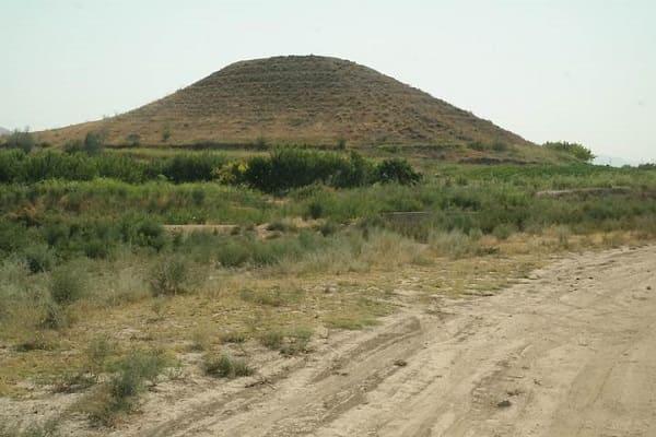 Piramide di Dvin Armenia