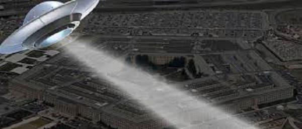alieni pentagono